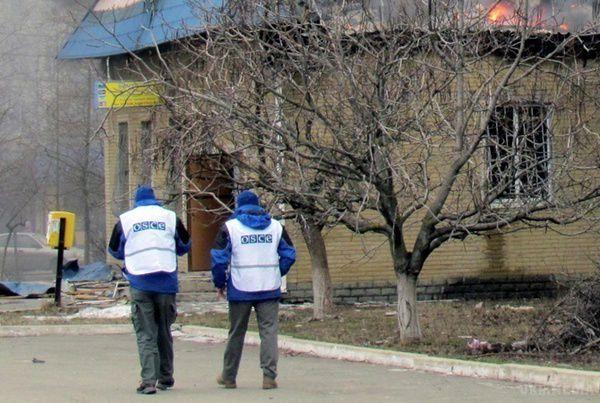 Біля Станиці Луганської спостерігачі ОБСЄ потрапили під мінометний обстріл