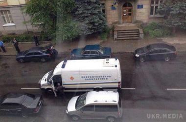 У Львові біля райвідділу міліції вибухнув автомобіль з водієм всередині