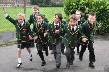 Великобританія. У британській школі понад 20 учнів одночасно втратили свідомість