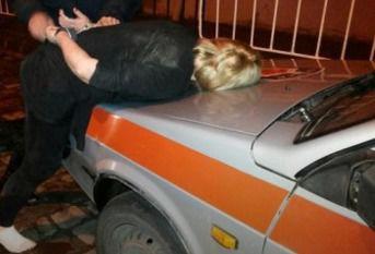 У Львові п'яні панночки побили патрульних поліцейських