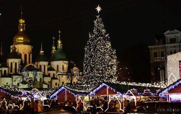Турчинов: Україна має святкувати Різдво 25 грудня