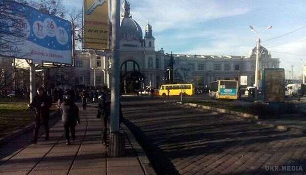 Заради розваги у Львові 15-річний житель обстріляв маршрутку