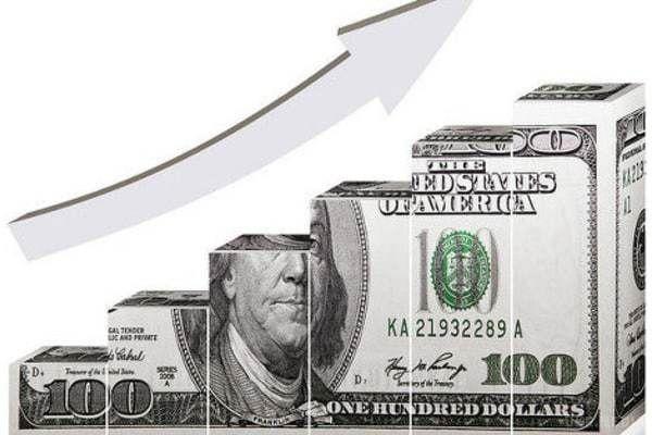 Аналітики Bloomberg спрогнозували зростання курсу долара в2016 році