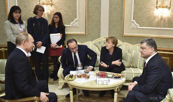 Яценюк: Дискусії про зняття санкцій зРосії немають під собою підстав