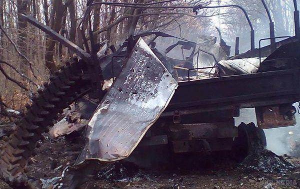 На Донбасі підірвалося авто з бійцями АТО