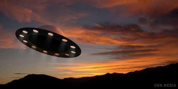 Мешканці Маріуполя помітили НЛО над містом (ВІДЕО)