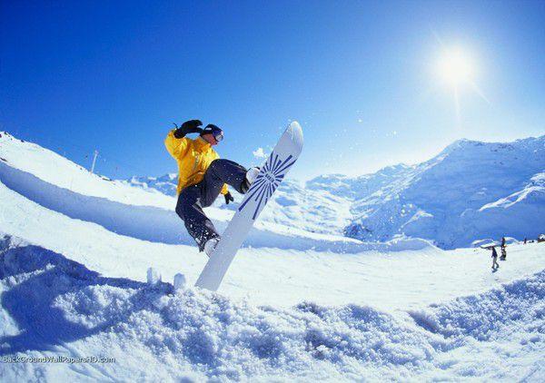 В Японії сноубордистка врятувалася від гнавшегося за нею ведмедя