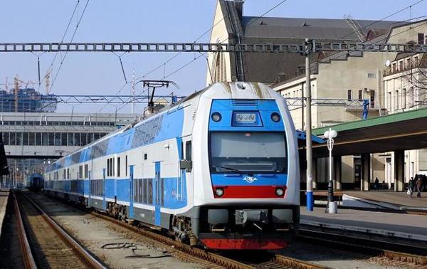 Швидкісний поїзд Skoda сьогодні почне курсувати між Харковом і Києвом