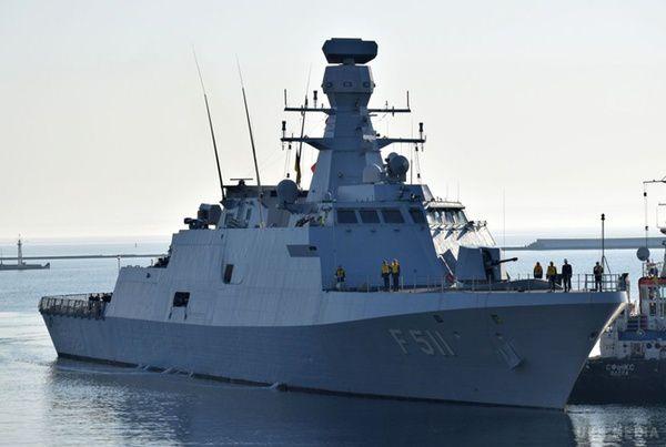Флагман українського флоту відправили наремонт
