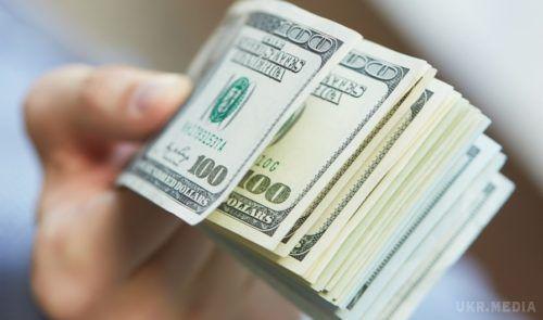 Банки відключать функцію прийому доларів через банкомати