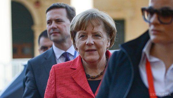 Меркель: Європейці повинні взяти власну долю досвоїх рук