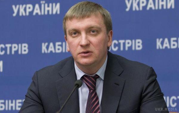 ВУкраїні готові юридичні механізми для введення візового режиму зРосією,— Петренко