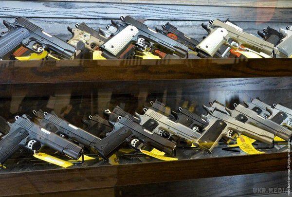 Восени буде законопроект про вільний обіг зброї,— Пашинський