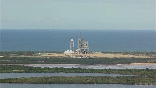 SpaceX успішно запустила вкосмос корабель Dragon, який там вже раніше бував
