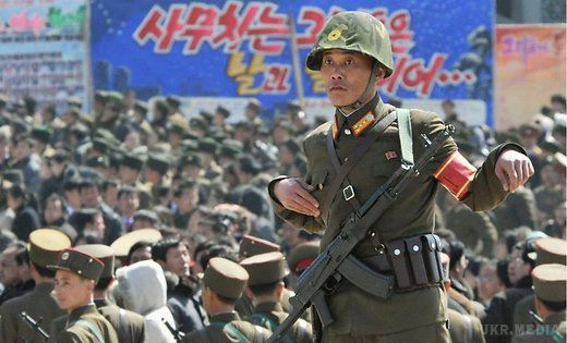 Військовий КНДР нашматку пінопласту переплив річку, щоб втекти до Південної Кореї