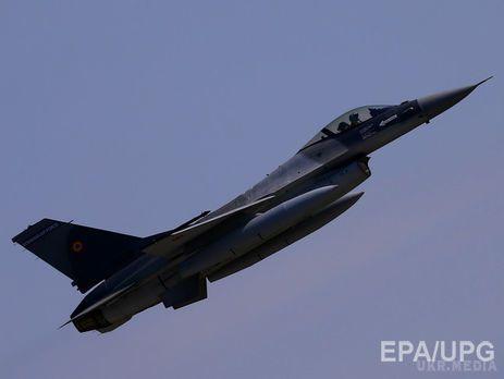 Вчора нероздивилися: винищувачі НАТО знову підлетіли до літака Шойгу