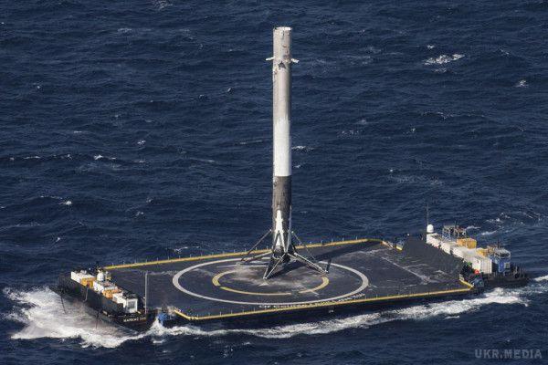 З'явилося відео, якракета Falcon 9 вивела наорбіту супутник зв'язку