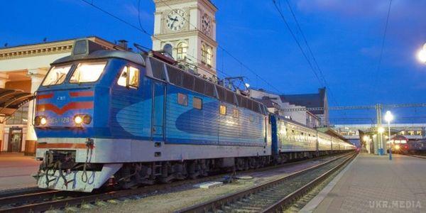 Укрзалізниця запустила продаж квитків напотяг доПеремишля, який курсуватиме через Львів