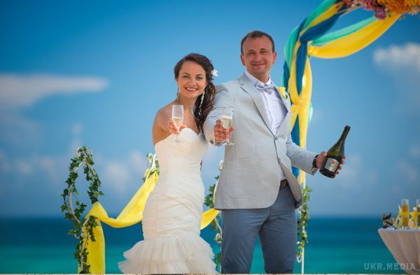 Щаслива сімка. Через рідкісну дату в п'ятницю устолиці очікується весільний бум