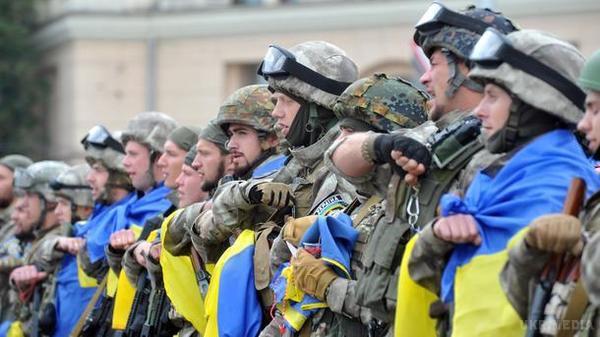 Порошенко оголосив призов уНаціональну гвардію