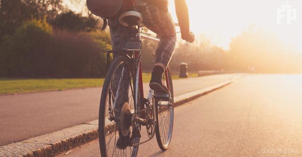 Поліція розшукує чоловіка, який вистрелив велосипедисту вобличчя