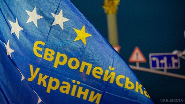 Туск застеріг Україну від розпаду суспільства: Тримайтеся разом