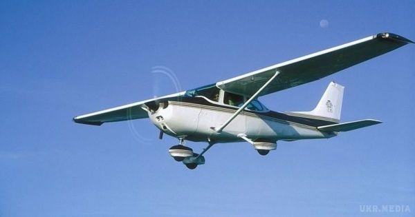 УКоломиї під час аварійної посадки перекинувся літак
