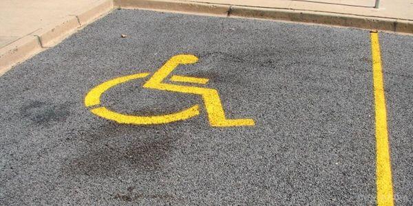 ВУкраїні підвищать штрафи запаркування на місцях для людей з інвалідністю