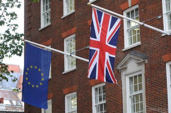 Вільний рух між Великобританією та ЄС завершиться вберезні 2019 року— Мей