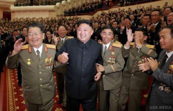 Міністри закордонних справ країн ЄС закликають до твердої позиції щодо Північної Кореї