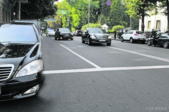 Кортеж Саакашвілі зупинила поліція