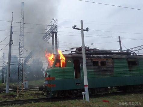 НаКиївщині згорів локомотив— рух поїздів уночі призупинили на кілька годин