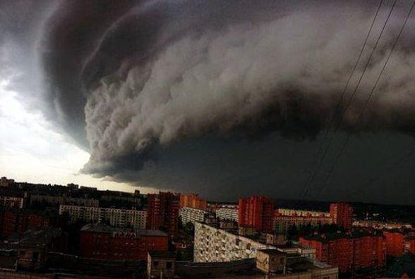 Ураган, який накрив Румунію рухається у бік України. Житомирщина узоні ризику