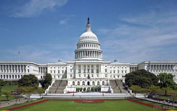 Сенат США підтримав виділення Україні півмільярда налетальну зброю— Порошенко