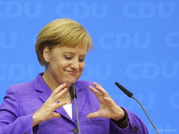 Порошенко і Гройсман привітали Меркель зперемогою навиборах