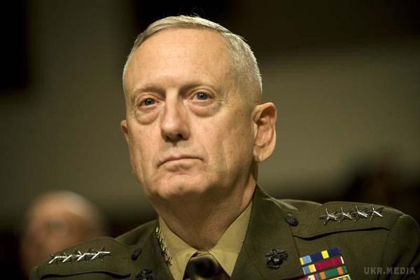 ВАфганістані після прибуття міністра оборони США поблизу аеропорту впали ракети