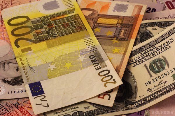 Гривня втратила щодо долара ще7 копійок— НБУ