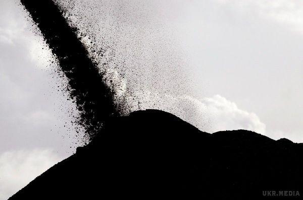 ДоУкраїни прибула друга партія американського вугілля