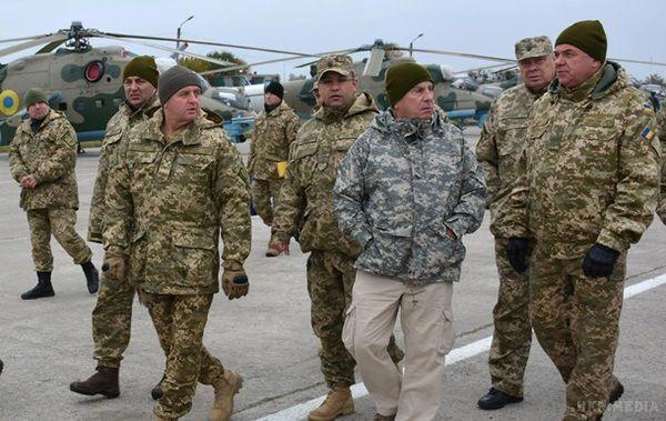 Для надання Україні летальної зброї залишилося лише рішення Трампа— Муженко