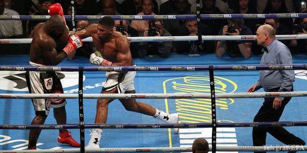 Бокс: Ентоні Джошуа переміг Такама технічним нокаутом