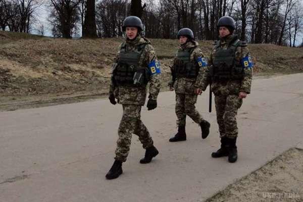 Облава напризовників уЛьвові: Охорона клубу непустила військових