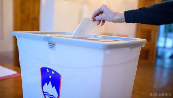 Президента Словенії Пахора переобрано надругий термін