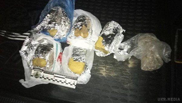 Поліція: вавто уКиєві знайшли 6 кілограмів вибухівки
