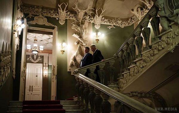 Порошенко показав легендарному Лінчу «Будинок зхимерами»: фото та відео