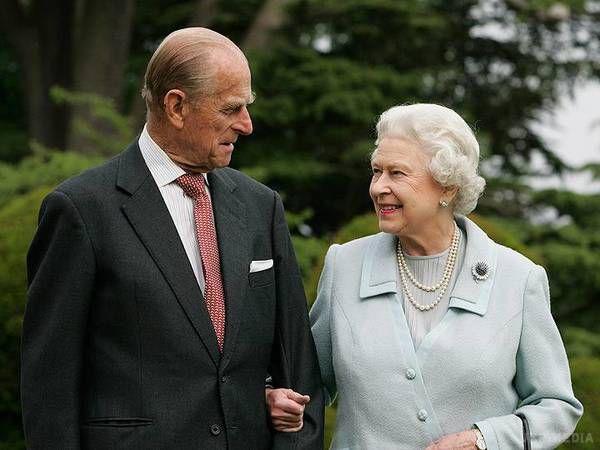 Разом 70 років. З'явилося святкове фото королеви Єлизавети ІІ тапринца Філіпа