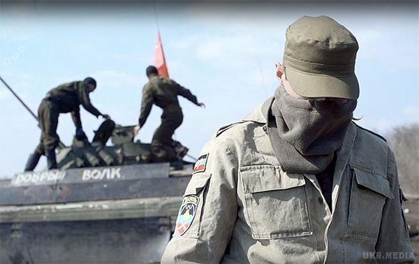 ВЛуганськ входить колона військової техніки (відео)