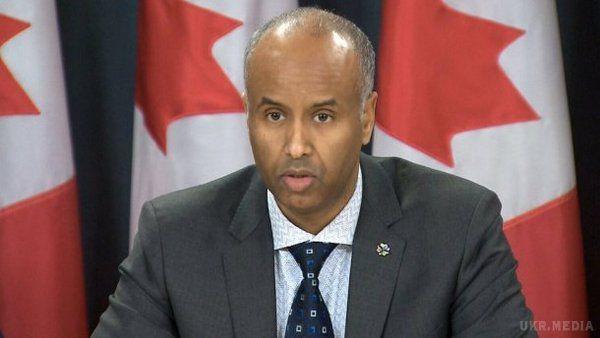Порошенко очікує посилення військової допомоги від США і Канади