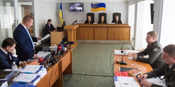 Суд усправі про держзраду Януковича продовжить засідання 14 грудня
