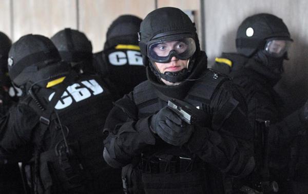 Затриманий працівник секретаріату Кабміну збирав дані про зарубіжні переговори Гройсмана— СБУ