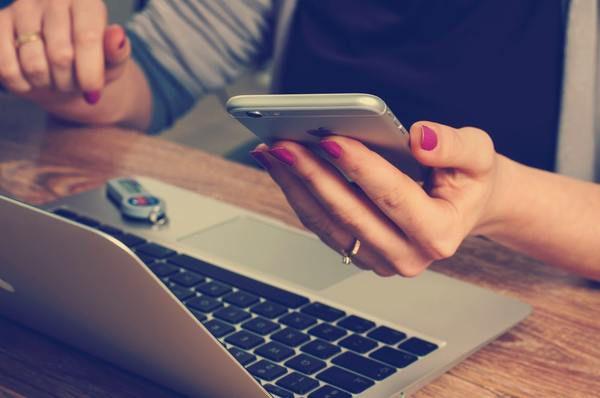 НаApple подали всуд через уповільнення роботи старих iPhone